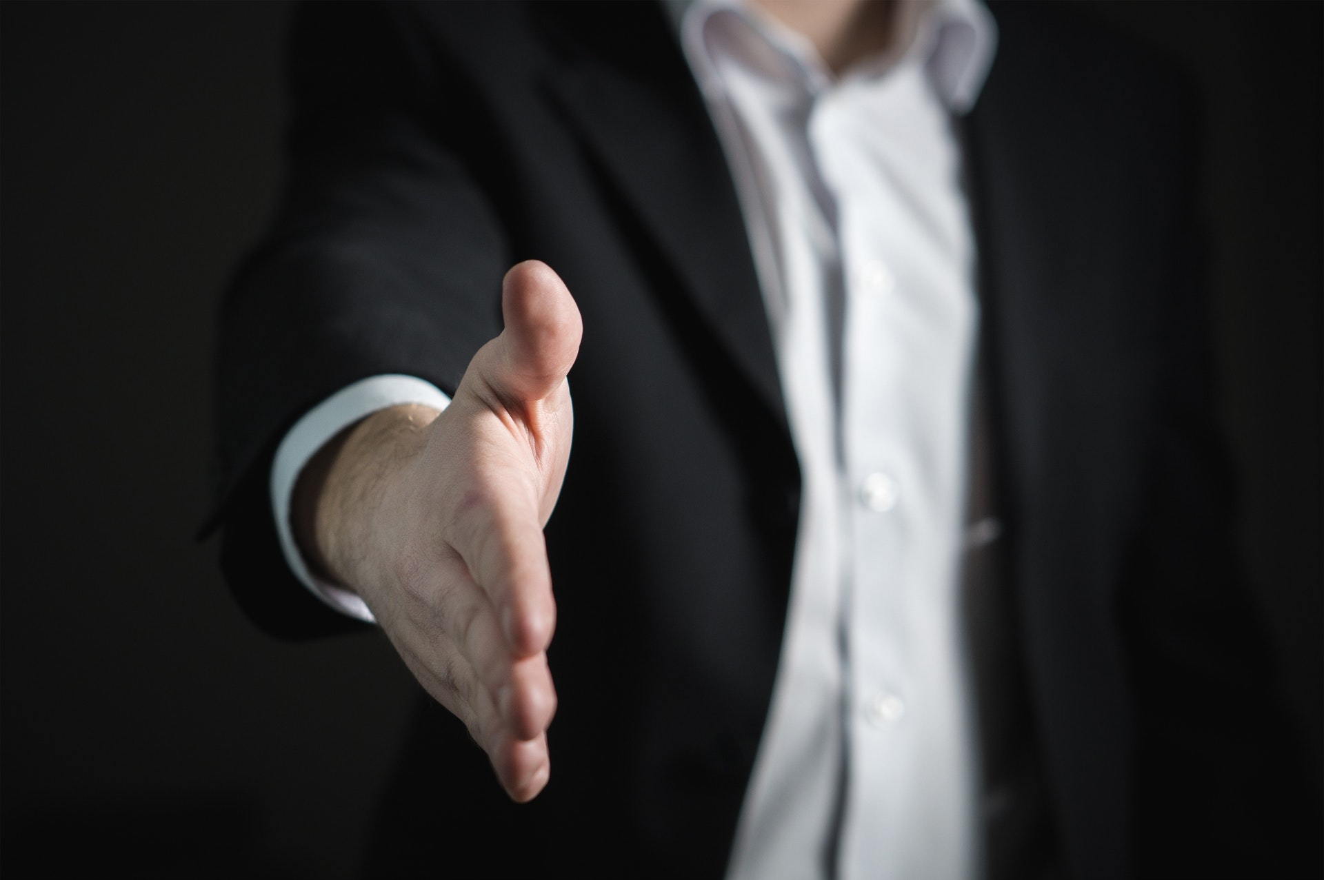 Offre d'emploi : infographiste – webdeveloppeur – informaticien